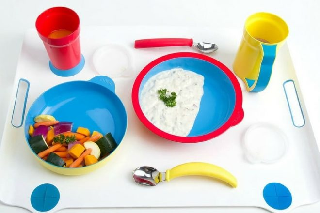 Eatwell tray with all set components
